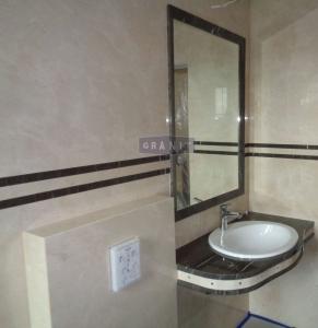 łazienka-blat-brown-silk-granit-marmur-crema-marfil-kryształki-svarowski-2